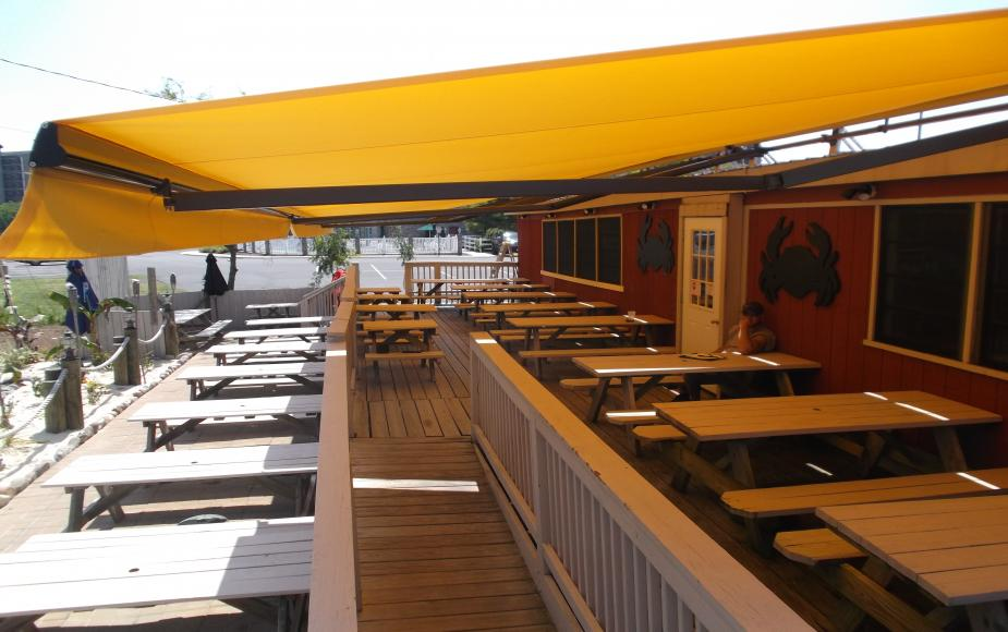 Retractable Awnings Enjoy The Convenience And Elegance